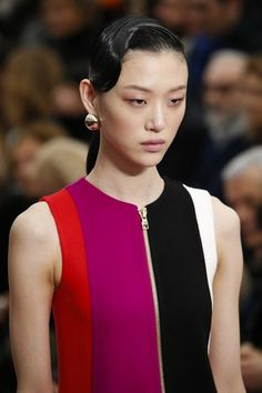 See detail photos for Salvatore Ferragamo Fall 2016 Ready-to-Wear collection.