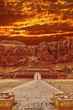 Queen Hatshepsut's Mortuary Temple El Deir ElBahary, #Luxor West  Egypt