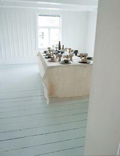 """Galleri Son: Ragnhild Wik separat utstilling i påsken: """"Da det ble kveld, tok Jesus plass ved bordet sammen med de tolv."""""""