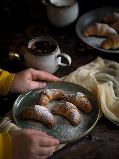 Kynuté rohlíčky   Máma peče doma   Bloglovin' Sausage, Meat, Food, Eten, Sausages, Meals, Diet