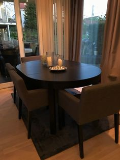Runde bord i 2020 | Hus innredning, Rundt spisebord, Runde bord