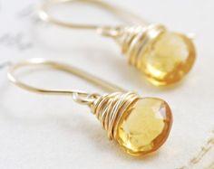 Pendientes citrinos envuelven en 14k oro relleno, amarillo pendientes de piedras preciosas, hecho a mano, aubepine