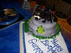 http://cakesdecor.com/assets/pictures/cakes/9140.jpg