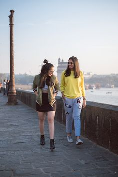 53 New Ideas Style Clothes Hipster Ootd Casual Indian Fashion, Trendy Fashion, Trendy Style, Girl Photo Poses, Girl Poses, Teen Fashion Outfits, Trendy Outfits, Estilo Hipster, Stylish Girls Photos