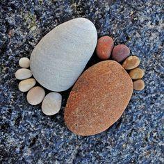 Creating Paths of Adorable Stone Footprints - My Modern Metropolis