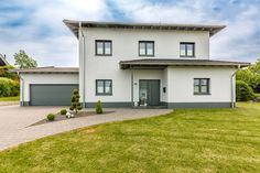 Stadtvilla Garage Doors, Mansions, House Styles, Outdoor Decor, Home Decor, House, Decoration Home, Room Decor, Villas