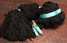 booturtle's show and tell: A Jasmine Yarn Wig. A GREAT tutorial!