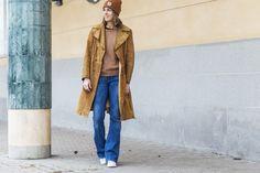 70s look, suede vintage coat, zara flared denim, Gant Rugger knit. Nina Campioni