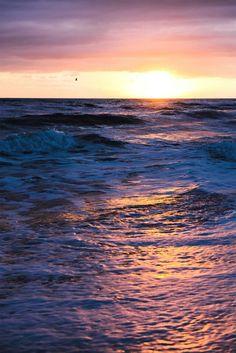 Mare mosso, onde, sole, colori