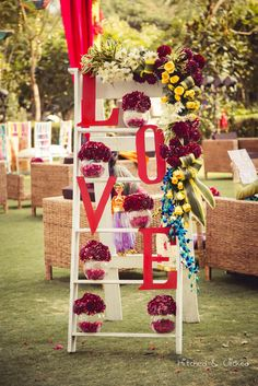 Decor goals <3 TRUESTORY: Larger Than Life Wedding With Glam Decor Details! - FunctionMania Blog