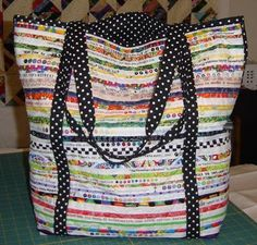 Selvage Blog: Kathy Wilcox Makes a Quilt Show Tote