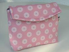 handgearbeitetes Kosmetiktäschchen rosa von ARTandMORE auf DaWanda.com