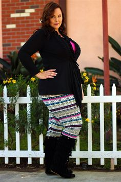 #beinspiredboutique #inspiredbyyou #plussize ...if she can wear leggings like this I'm sure I can