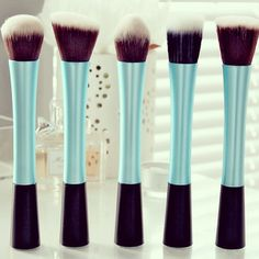 These look like real technique brushes but I think they are knock offs. I wish RT would come out with some like this though