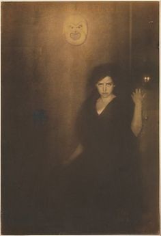 thisobscuredesireforbeauty: Edward Steichen Melpomene Landon Rives Source I love when a piece turns up from over one hundred years ago and you really cant tell. Edward Steichen, Alfred Stieglitz, Albert Bierstadt, Vintage Photography, White Photography, Artistic Photography, Alphonse Mucha, Connecticut, Lyon
