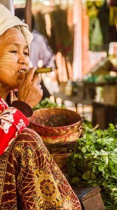 cheroot smoker at the daily market, Nyaung Shwe, Yangon