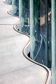 Artful Touches Enliven Zurich Office Building by Diener & Diener Architekten Interior Design Magazine, Salon Interior Design, Interior Design Images, Space Architecture, Architecture Details, Chinese Architecture, Futuristic Architecture, Glass Curtain Wall, Glass Building