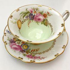 Foley Tea Cup & Saucer #foleyteacup #teacupandsaucer #teacupcollector #teacuplover #teacupcollector #englishteacup #teacupcollectors…