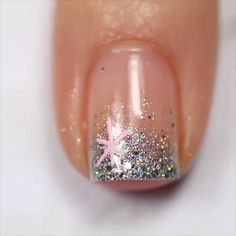 nail art diy ~ nail art designs _ nail art _ nail art videos _ nail art designs for spring _ nail art designs for winter _ nail art designs easy _ nail art winter _ nail art diy Trendy Nail Art, New Nail Art, Stylish Nails, Nail Art Diy, Diy Nails, Nail Nail, Nail Polish Crafts, Glitter Nail Polish, Easy Nail Art
