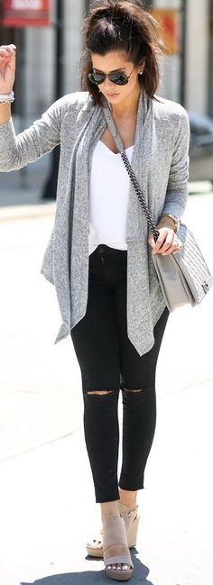 cute outfit...love the black jeans. great length