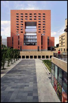 Foto 2009;  architetti: Studio Gregotti Associati;  Università Bicocca;  anno 1986-99