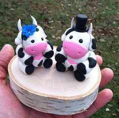 Cow wedding cake topper by WooleversTravels on Etsy, $50.00
