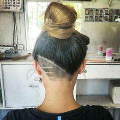 Quem não acorda de vez em quando com vontade de mudar?! Qual a rapariga que já não quis cometer uma loucura no cabelo? Penso que todas nós t...