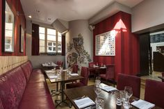 Our glorious first floor Mayfair Pizza Co restaurant takes great pride in our beautiful surroundings. This allows customers to dine in a relaxed, friendly and stylish atmosphere.