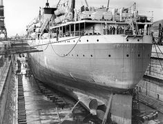 Union Castle Line's 'Carnarvon Castle' in Sturrock Dry Dock, Cape Town by HiltonT, via Flickr