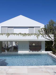New House Architecture Pool Arquitetura Ideas Australian Architecture, Australian Homes, Residential Architecture, House Architecture, Interior Exterior, Exterior Design, Facade Design, Moderne Pools, Pool Colors