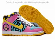 Dunk Sb High Shoes in Pink Blue and Yellow