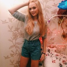 #girl #happy #sweet #lights #fashion #jeans #home