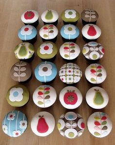 12 fantastic Orla Kiely crafts and DIY. Get that mid century modern look into your home with the gorgeous retro designs of Orla Kiely. Pretty Cupcakes, Beautiful Cupcakes, Yummy Cupcakes, Cupcake Cookies, Cupcake Toppers, Gorgeous Cakes, Cupcakes Design, Cake Designs, Orla Kiely