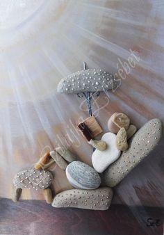 Stone Pictures Pebble Art, Pebble Stone, Stone Art, Stone Crafts, Rock Crafts, Beach Rocks Crafts, Beach Rock Art, Pebble Art Family, Homemade Art