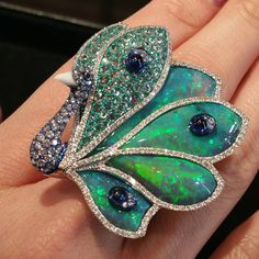 nice Opal, Diamond and Sapphire Peacock Ring. Peacock Ring, Peacock Jewelry, Bird Jewelry, Opal Jewelry, Animal Jewelry, Indian Jewelry, Vintage Jewelry, Jewelry Accessories, Jewelry Design