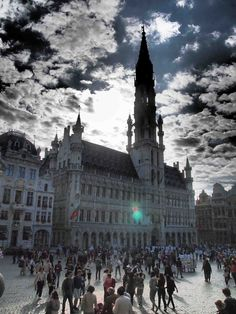 La Grand Place, Brussels.  (With thanks to www.visitflanders.co.uk, www.railbookers.com and the British Guild of Travel Writers for getting me there!).