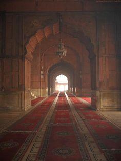 Jama Mosque The Masjid-i Jahān-Numā (Persian: مسجد جھان نما, the… Alhamdulillah, Casa Stark, Islamic Architecture, Gothic Architecture, Fantasy Places, Arabian Nights, Fantasy Landscape, Islamic Art, Marketing Digital