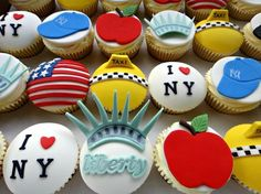 I LOVE NY cupcakes - Statue of Liberty, flags, Big Apple, New york cabby cupcakes