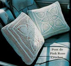 \ PINK ROSE CROCHET /: Almofada Quadrada Moldura com Abacaxis em Crochê