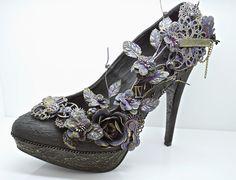 http://www.asprinkleofimagination.blogspot.co.uk/2015/03/if-finnabair-did-shoes.html