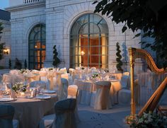 Grand America Hotel In Salt Lake City Offers Daily Events Including Afternoon Tea Art Tours And Live Jazz The Lobby Lounge On Friday Saay