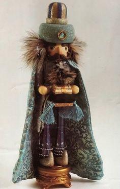 Kurt Adler Turquoise King Nutcracker #KurtAdler