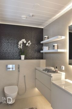 KODIN VALAISTUSIDEAT | TAIVALDECO Loft Style Homes, Bathroom Toilets, Bathroom Styling, Powder Room, Laundry Room, Bathing, Furniture, Rooms, Design