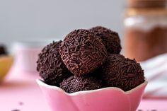 Trufas de chocolate Fruit, Cookies, Food, Desserts, Chocolate Truffles, Sweet Treats, Tarts, Black, Biscuits