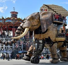 Le Carrousel des Mondes Marins et le Grand Eléphant - © Jean-Dominique Billaud