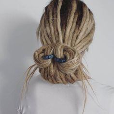 Dreadlock updo using the Spiralock! #dreadsfeature #dreadlockstyle #dreadlocks #dreads #dreadshare #dreadgirl #blondedreads #dreadhead #dreadhairstyle #dreadideas #dreadlove #dreadupdo #dreadlatin #dreadinspo #dreadlove #wonderlocks #spiralocks #hairstyle #beautydreadlocks #Regram via @dreadhairdreams