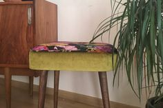 DIY: tapicerka Vanity Bench, Chair, Diy, Furniture, Home Decor, Decoration Home, Bricolage, Room Decor, Do It Yourself