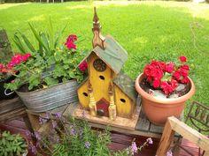 Andover Pallet Birdhouse