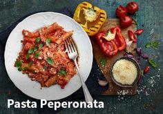Pasta peperonata, Resepit: Valio #kauppahalli24 #resepti #ruokaa #pasta #peperonata #kasvis #paprika Pasta, Bruschetta, Chana Masala, Beef, Chicken, Cooking, Ethnic Recipes, Food, Drinks