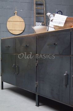 Dressoir Steel   Old BASICS